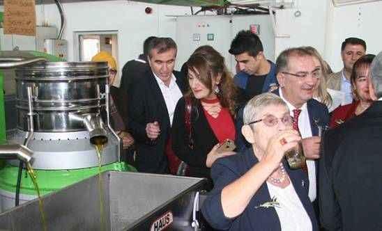 Canan Karatay, bardak bardak zeytinyağı içti!