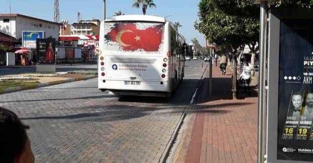 Alanya'da otobüs şoföründen tepki çeken hareket! Bakiyesi kalamayan öğrenciye...