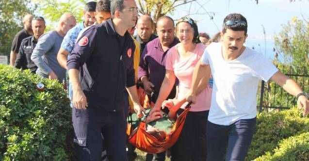 Antalya'da anne, kızı fenalaşınca intihardan vazgeçti