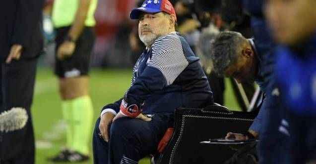 Maradona'dan dünyayı şaşırtan karar!