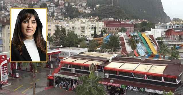 Alanya'da Özaltın'dan tepki: 'Proje neden DEMAŞ'a değil de Damlataş'a?'