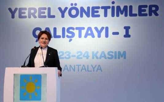 Akşener Antalya'da konuştu: Bu ülkeyi bayram sofrasına oturtmak hayalimiz var