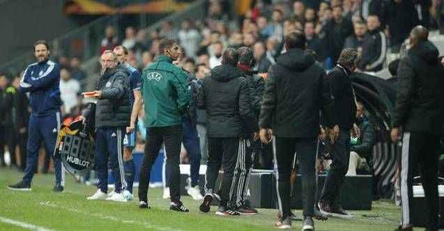 Vodafone Park'ta olay! Futbolcular birbirine girdi...