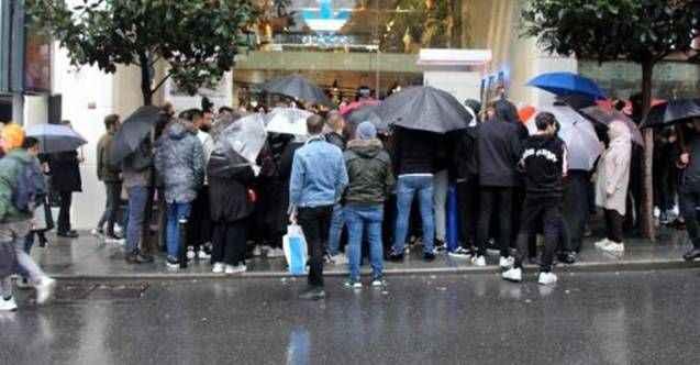 Black Friday çılgınlığı! İstanbul'da sabahın ilk ışıklarında AVM'ye koştular