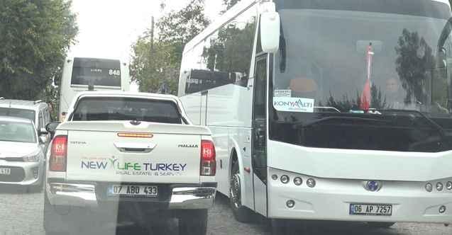 Bu otobüslerin Alanya Kalesi'nde ne işi var?