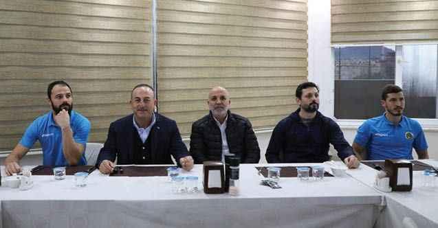 Alanyaspor'a Bakan Çavuşoğlu morali