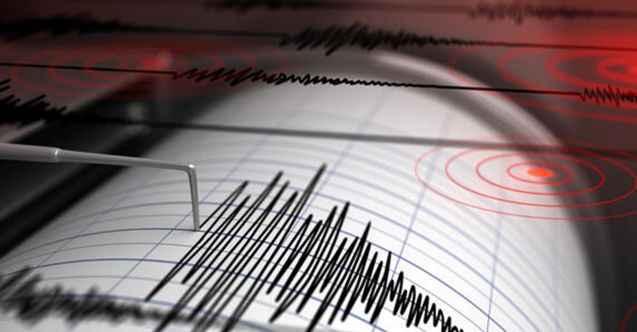 26 saniyede iki depremle sallandı