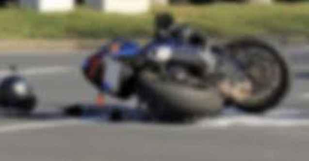 Alanya'da yol savrulan motosiklet sürücüsü yaralandı