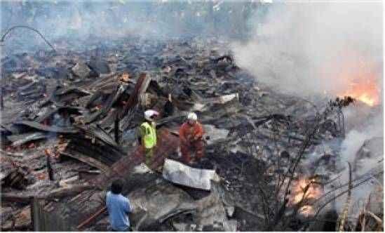 Yangında 20 ev kül oldu