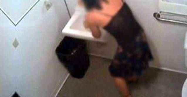 Tuvalete gizli kamera yerleştiren doktordan sürpriz karar!