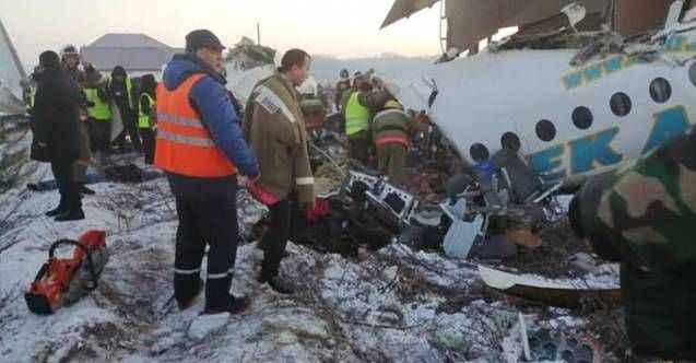 Kardeş ülkede yolcu uçağı düştü! Çok sayıda ölü var