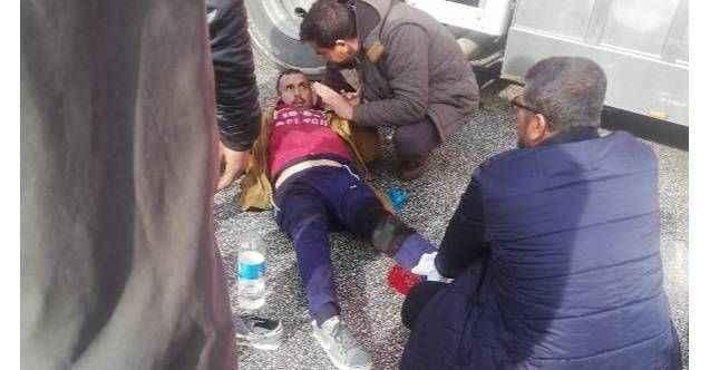 Antalya'da halde TIR'ın çarptığı yaya yaralandı