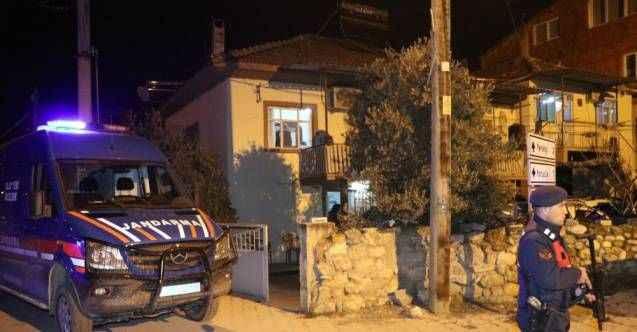 7 bin lira alacağı için gittiği evde borçluyu öldürüp intihar etti