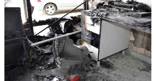 Gazipaşa'da panik anları! Elektronik eşya dükkanında yangın çıktı