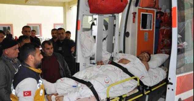 Komşuda feci kaza! Bacağını patpata kaptıran genç adam, tedavi için Alanya'ya gönderildi