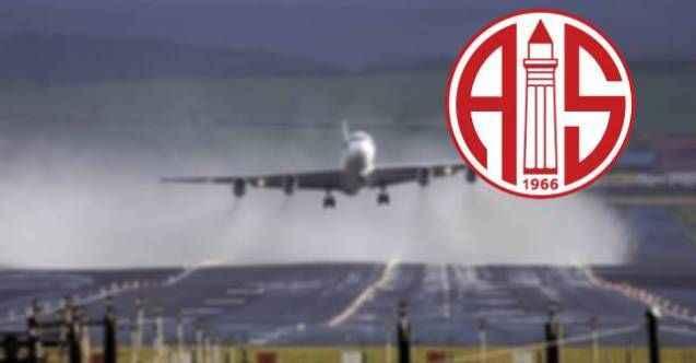 Antalyaspor'un uçağı Sivas'a inemedi!