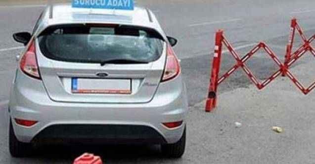 Sürücü kursları sınavları ertelendi
