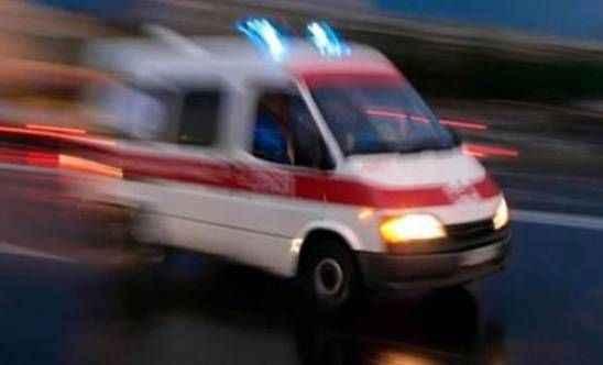Polis aracı ile otomobil çarpıştı: 5 yaralı