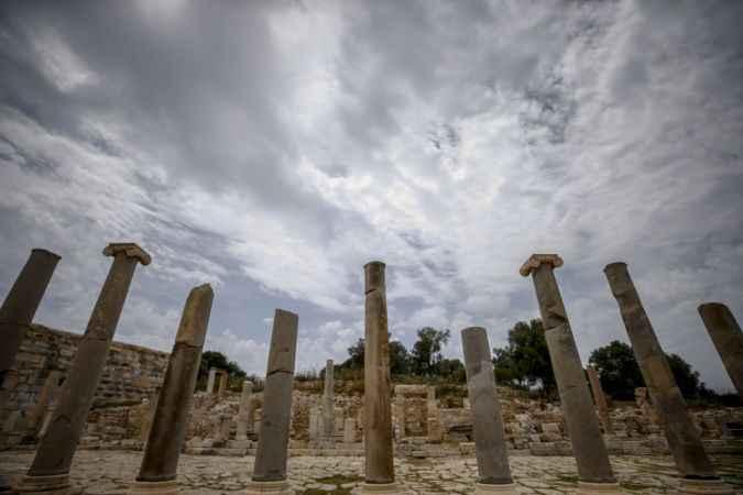 Patara Antik Kenti'nde bulunan heykeller, kazı ekibini heyecanlandırdı