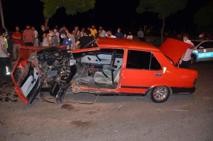 İkiye bölünen otomobilden sağ kurtuldu