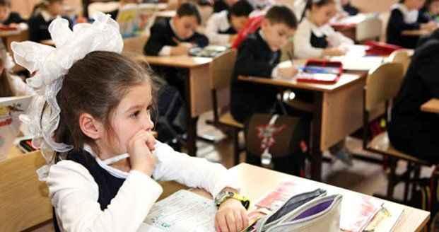 """Vaka artışı sonrası Bakan Koca, """"Yeni dönemde okullar açılacak mı?"""" sorusuna yanıt verdi"""