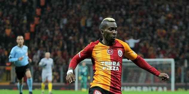 Galatasaray o futbolcu ile yollarını ayırdı