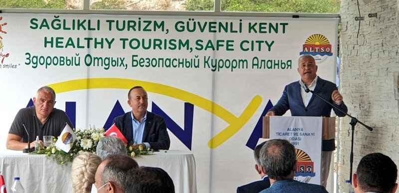 Turizm için büyük adım! Alanya'da iki bakanlı dev buluşmada dünyaya mesaj verildi