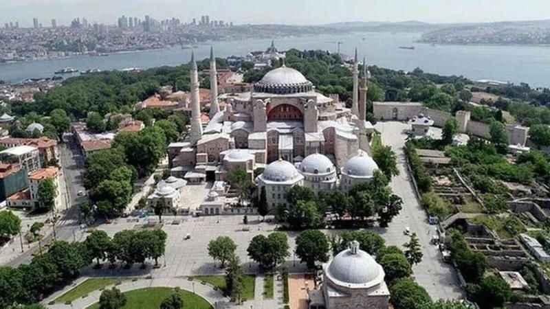 Antalya'da, Ayasofya Camisi'nin ibadete açılmasından dolayı dua edildi