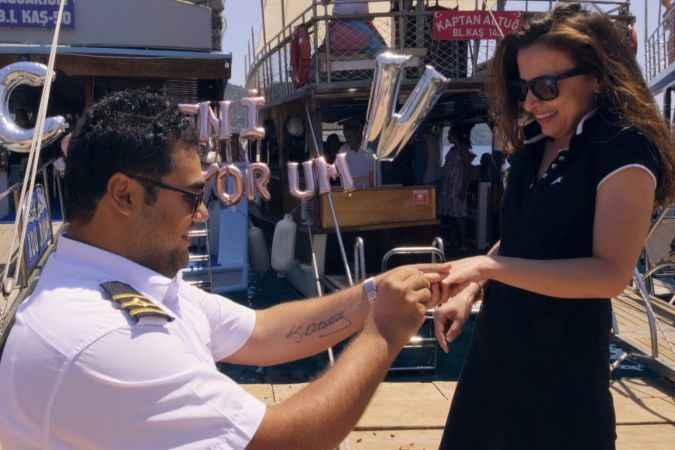 Tekne kaptanından, antik kentte evlilik teklifi