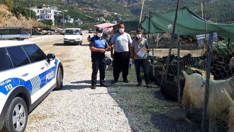 Alanya'da kurban satıcılarına sahte para uyarısı