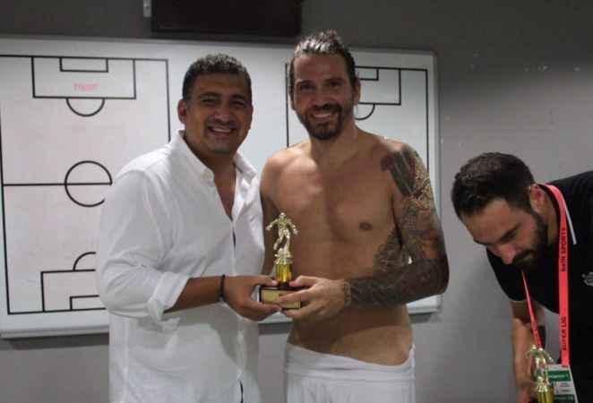Antalyaspor yönetiminden futbolculara ve teknik ekibe ödül