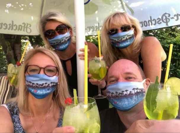 Alman turistlerden maskeli mesaj