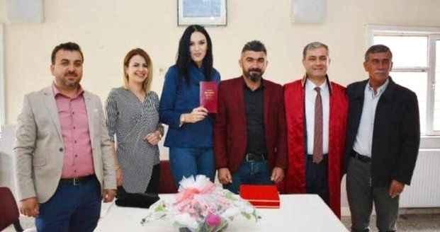 Antalya'da Belediye başkanıyla yasak aşk yaşadığı iddia edilen kadın: Erkekler bana mesaj atıyor