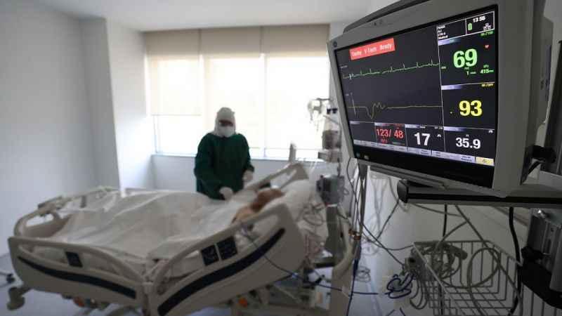 Türkiye'de Kovid-19 aktif vaka ve ağır hasta sayısı artıyor