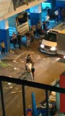 Antalya'da pazarcı esnafı kavgada koltuk değneğiyle saldırdı