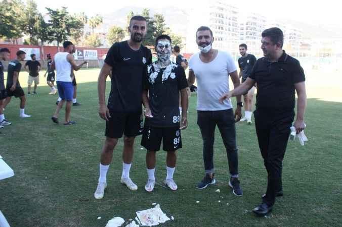 Kestelspor'da neşeli doğum günü kutlaması