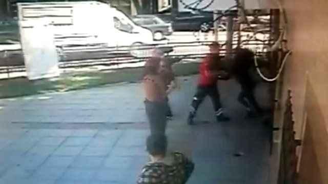 Sağlık çalışanlarına çirkin saldırı! Ölüm tehditleri havada uçuştu, kapılar tekmelendi