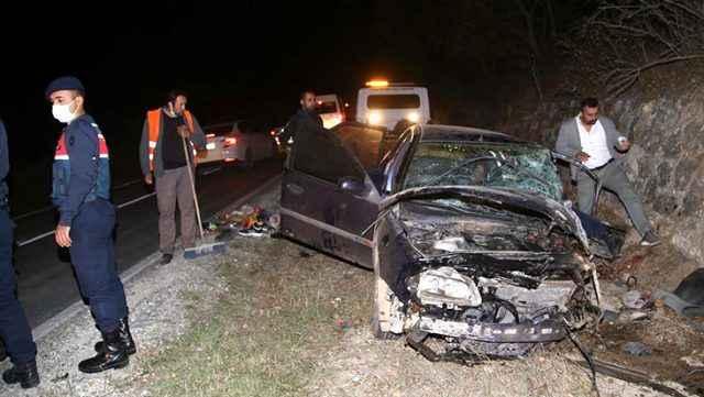 Kastamonu'da minibüs ile otomobil çarpıştı: 10 yaralı