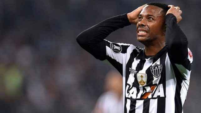 Santos, tecavüz davası nedeniyle Robinho'nun sözleşmesini askıya aldı