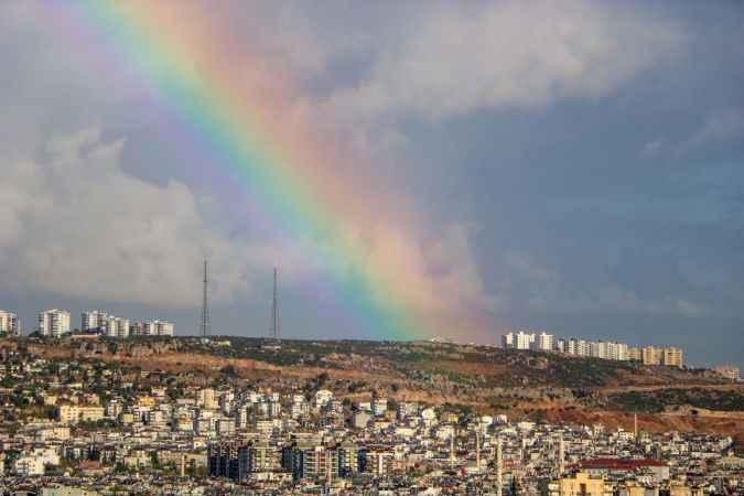Antalya'da sağanak sonrası gökkuşağı şöleni