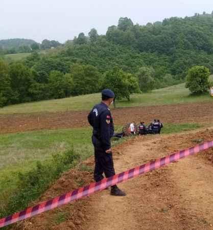 Traktörün altında kalan çiftçi, öldü