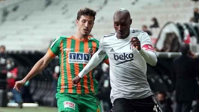 Salih Uçan, Galatasaray'ın daha cazip teklifine rağmen Beşiktaş'a 'evet' dedi