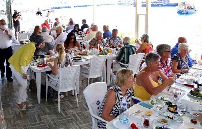 Alanya'da Harbour'da samimi buluşma