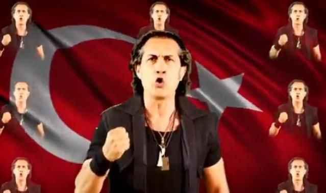 Şarkıcın Milli Takım marşı tartışma yarattı! Sosyal medya ikiye bölündü