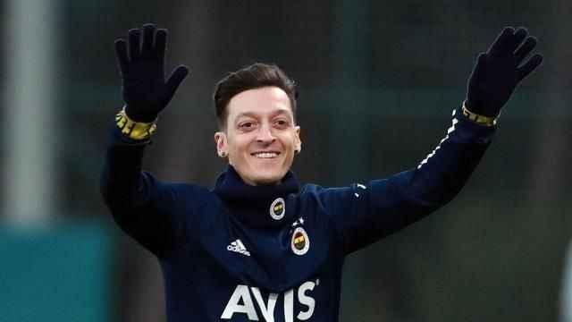 Mesut Özil'den taraftara umutlu sözler!