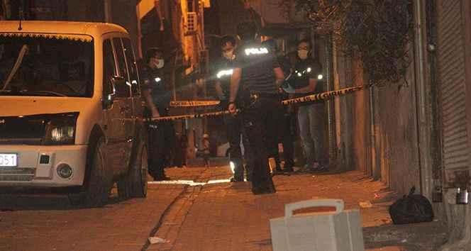 Sivil araçtaki polislere silahlı saldırı!