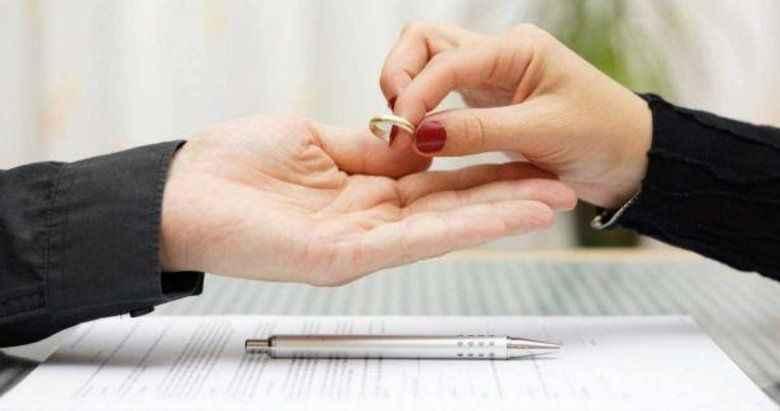 Eşinizi başkasıyla kıyaslarken dikkat! Boşanma sebebi sayıldı