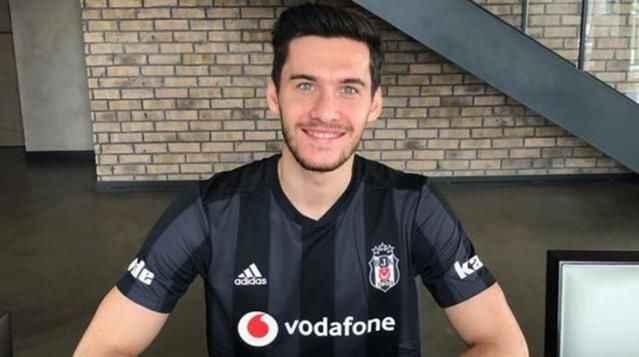 Umut Nayir, Beşiktaş'tan ayrılmak istediğini yönetime iletti