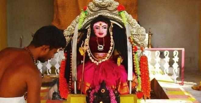 Hindistan'dan ilginç haber! Virüsün yeni merkezi: 'Korona Tanrıçası' tapınağı