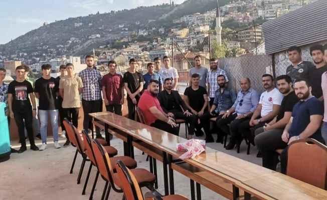 CHP'li Bağışlar  Aşevi Projesi için yemek dağıttı